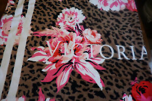 "VICTORIA'S SECRET LARGE BATH/BEACH/GYM TOWEL 30"" X 60"" MULTI FLORAL BNWT"