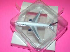 Herpa Wings Delta Airlines 767-300 SAMPLE MODEL Delta 1:500 diecast Airplane