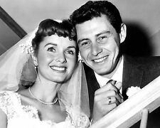 EDDIE FISHER & DEBBIE REYNOLDS ON WEDDING DAY IN 1955 - 8X10 PHOTO (ZY-710)
