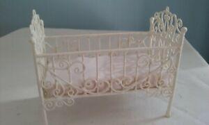 Dolls House Furniture - Cream  Wire furniture - Crib