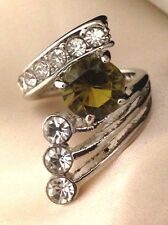 Vintage Cocktail Ring Peridot Glass Crystal Accents Costume Classic Retro 7