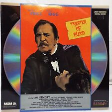 Laserdisc - Vincent Price Diana Rigg THEATER OF BLOOD  Very Good Rated R -1973