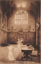 B85734 the hampton court palace ghost  london uk