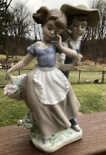 New ListingLladro Figurine Love In Bloom Boy & Girl with Flower #5292 Gloss Excellent Condi