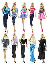 20 Artikel = 10 Fashionistas Kleidung Outfit+10 Paar Schuhe für Barbie Puppe t33