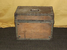 VINTAGE  ANTIQUE DOG CAT 1800S ANIMAL PET WOOD TRAVEL BOX
