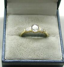 Lovely 9ct Gold Round And Baguette Cut White Stone Dress Ring