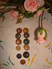 11 BOUTONS (imitation cuir) couleurs variées