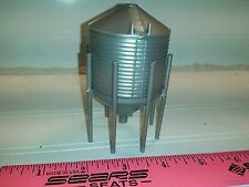 1/64 Silver Standi Toys Grain hopper Bin 1007 bu Ertl Farm Toy Building display