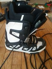 DG Snowboarding Boots White And Black
