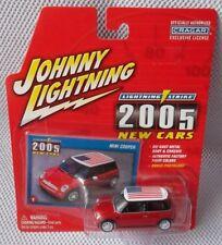 """MINI COOPER  (1:64)  2004 Johnny White Lightning STRIKE """"2005 NEW CARS #1"""" CHASE"""