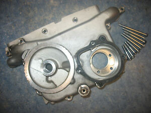 FRONT WATER PUMP CRANKCASE CASE COVER 1982 HONDA GOLDWING GL1100A GL1100 82