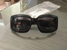 Lunettes de soleil GUESS neuves 123€ noires