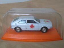 Antigua miniatura 1:43 Pilen M-551 Volkswagen Scirocco Cruz Roja. Made in Spain.