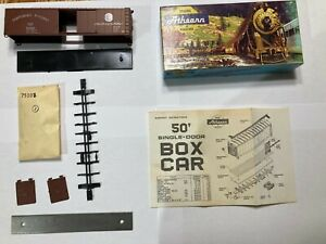 ATHEARN HO 5058 NORTHERN PACIFIC #31482 BOX CAR 50' TRAINS IN MINITURE