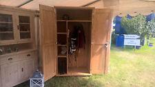 Sattelschrank auf Räder ,handgefertigt, massiv Holz, neu, Stallschrank