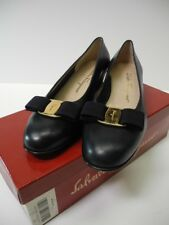 SALVATORE FERRAGAMO Vara Bow Pump Navy Blue Shoes Size 9 1/2 AA