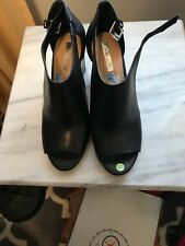 Tahari Black Leather D'orsay Peep Toes 7.5