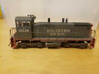 Athearn #3906 HO Scale Southern Pacific SW-1500 Locomotive #2638 UNTESTED