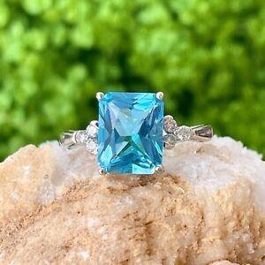 Estate 10KT White Gold Fantasy Cut Aqua Blue Topaz + Diamond Accent Ring Size 7