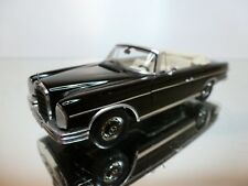 SPARK 1061 MERCEDES BENZ 300 SE CABRIOLET 1963 - BLACK 1:43 - EXCELLENT - 33/32