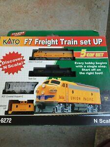 N Kato scale model train set Union Pacific