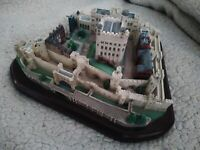 """Lenox 1995 Great Castles of the World """"Tower of London"""", 10 1/2"""" x 8"""" x 4 1/4"""" H"""
