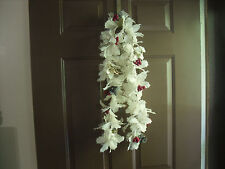VINTAGE WHITE PLASTIC HOLLY BERRY CHRISTMAS TREE GARLAND