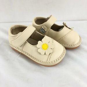 Little Blue Lamb Toddler Girls Mary Jane Squeaker Floral Applique Beige Size 3