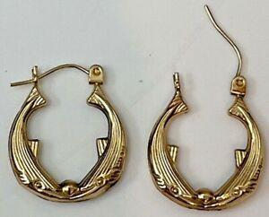 Italy, ZZ, 14K Yellow Gold Whale Hoop Earrings, 1.4 gr