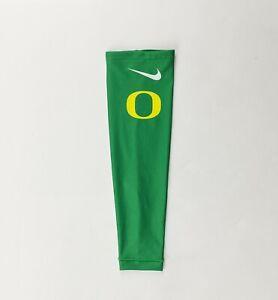 Nike Oregon Ducks Digital Hyperelite Arm Shooter Sleeve Women's M Green BV1015