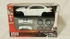 Motor Max BMW M3 Coupe Model Kit Die Cast Collection Skill Level 2 NIB 1:24