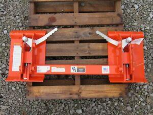 Kubota LA504, LA434 & LA534 Loader to Skid Steer Quick Attach Adapter 835150