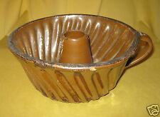 alte Tonform mit Griff  Kuchenform alter Ton Gugelhupf-Form braun Puddingform