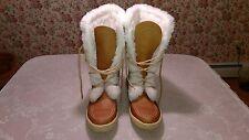 NEW - Cabelas Women's Mukluk Boots - Size 8 M -  Lambs Wool Lining