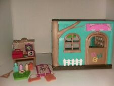 Li'l Woodzeez Nursery Playset And Accessories With Health Clinic Accessories BB3