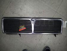 Mascherina frontale calandra con fregio Lancia THEMA anteriore con logo Cromata