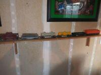 lionel train set used(diesel engine plus 6 cars)Lionel Post War UP Alco Diesel