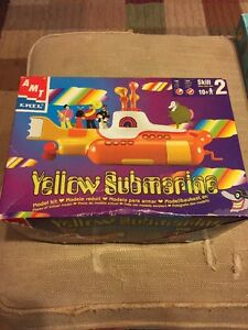 Vintage 1999 AMT / ERTL Beatles YELLOW SUBMARINE  plastic model Mint in open box