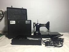 Vintage 1968 SINGER FEATHERWEIGHT #221 Sewing Machine w/Case