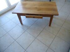 Table de salon (1 tiroir) en noyer massif et table télé( 3 plateaux verre ERRARD