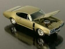 Resto Mod 1968 68 Oldsmobile Cutlass 442 Muscle Car 1/64 Scale Limited Edit G5
