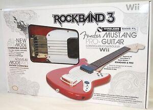 NEW Mad Catz Rock Band 3 Wii-U Wireless Fender Mustang Pro Guitar SU0-RB3 96563