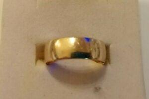 Vintage wide 9ct gold wedding ring size O/P 2.5 gms