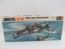 MES-44780Revell H-113 1:72 Junkers Ju 88 Bausatz geöffnet,