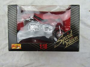 MAISTO BMW R1100RS  MODEL 1.18 SPECIAL EDITION boxed