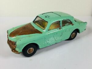 VINTAGE TRIANG SPOT ON 1/42 SCALE VOLVO 122S DIECAST CAR MODEL WITH SUNROOF