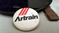 """NICE BUTTON ARTRAIN VINTAGE PIN 1.5"""" BADGES COLLECTIBLE"""