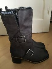 New Ladies Mid Calf Boots Size 5 In Grey Faux Fur Inside Buckle Detail By TU
