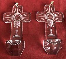 Paire Bénitier croix cristal taillé Baccarat France calice monogramme JHS XXème